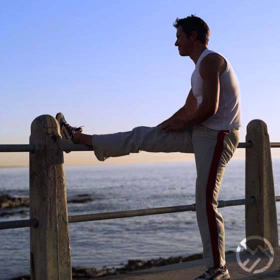 elevar la pierna y ponerla en alto