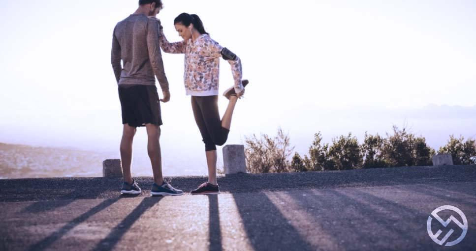 que estiramientos hay que hacer antes de correr