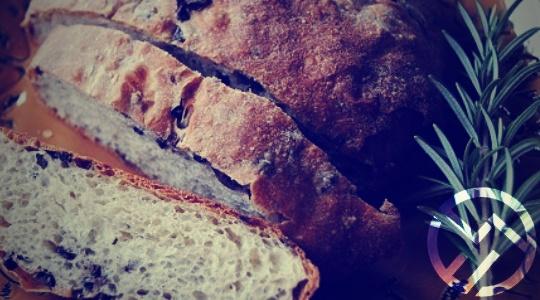 Pan de romero y aceitunas: ¡buenísimo y apto para celiacos!