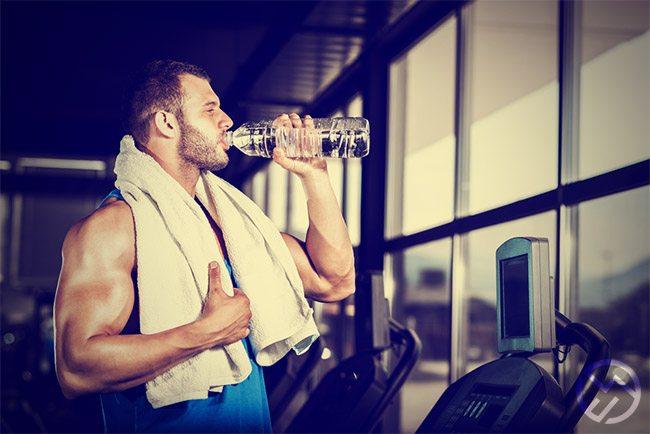 el agua es esencial para tus musculos