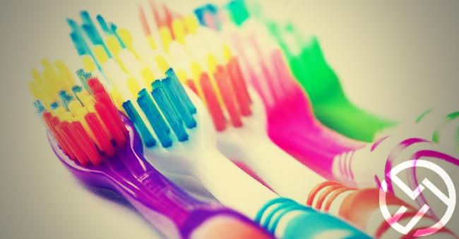cual es la mejor manera de cepillarse los dientes