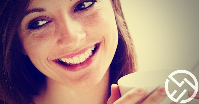 evitar que los dientes pierdan color blanco