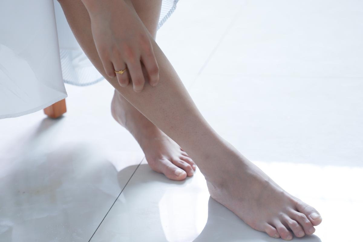 pies ejercicios quemar grasa abdomen