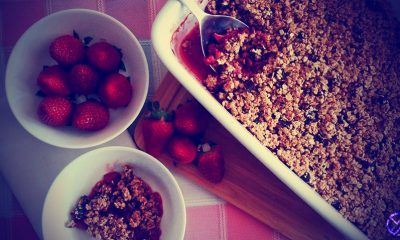 Crumble de frutos rojos con avena y almendras